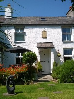 Anglesey Romantic 2 Bed 3-5 person traditional stone cottage