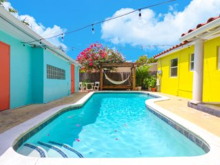 LS-0331 . Pool/3Bed-2Bath/7 min Beach-Downtown