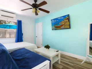 LS-0301 . Studio 7 min to Beach-Downtown/ Pool