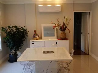 Bright flat with three bedrooms in Copacabana T016