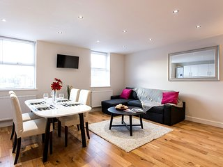 Fantastic 2 Bedroom Apartment moments from Hyde Park - Notting Hill (1)