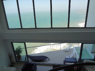Million Dollar VIEW And Penthouse with private HOT TUB