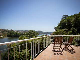 Peacefull Country Home, on Douro´s riverside, W/ Pool, near Porto
