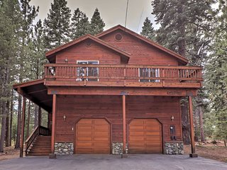 NEW! Rustic 4BR Truckee House w/ Hot Tub!