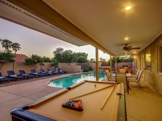 Altadena Estate by Scottsdale Stays-Near Events-Heated Pool-Spa-Boccie-Pool