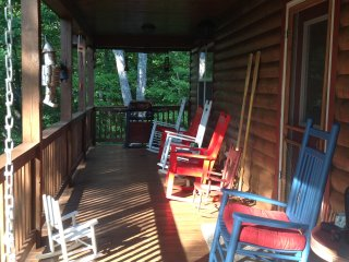 Beautiful 5bedroom 4 bath cabin ,located in between Blueridge and Blairsville Ga