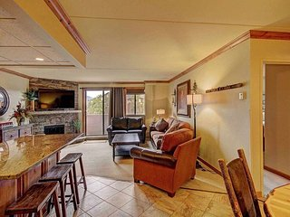 Ski-in/Ski-out Suite + Private Balcony & Fireplace! 6 Hot Tubs/Pools