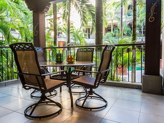 Newly Renovated Condo STEPS from Jaco Beach in Gated Community