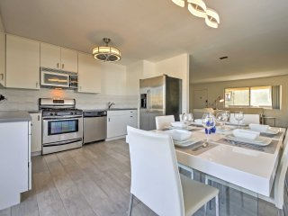 NEW!Remodeled 3BR Palm Springs Condo w/ Splendid Mtn Views