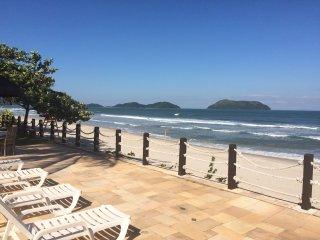 Juquehy - Casa em Condomínio Fechado de Frente para o Mar - Pé na Areia
