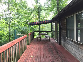 Antietam Creek 2 bedroom cabin