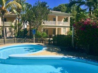 FLIC EN FLAC : Villa bord de mer & piscine (B)