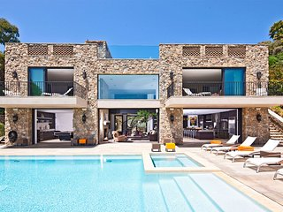 Modern Malibu Stone House Overlooking the Ocean with Stunning Private Pool