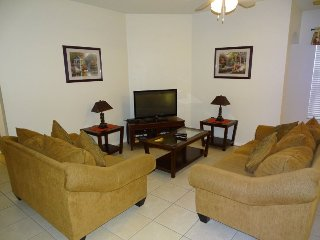 520JA. 4 Bedroom Vacation Home With Golf Course View