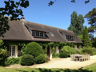 Maison Normande - jusqu'à 14 pers - 1h de Paris - piscine, tennis, jacuzzi