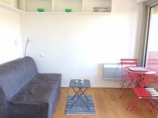 Appartement Ferdea : Studio coquet avec terrasse et piscine