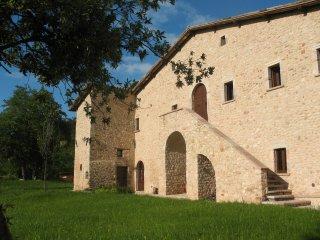 Casale in pietra perfettamente ristrutturato