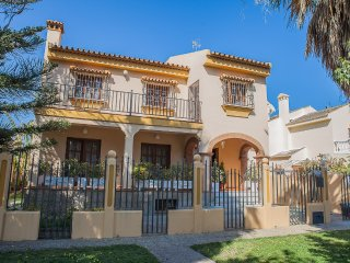 Perfect pool villa in Guadalmar
