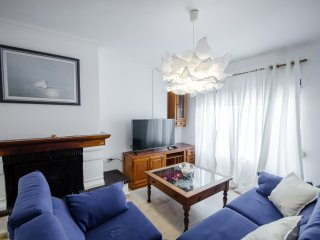 Excellent 4-bedroom townhouse near the sea