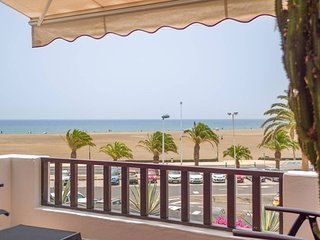 Beachfront LUXURY Holiday Home in Puerto del Carmen