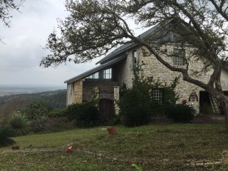 Hill Country 25 mile view near TPC/Marriot, Stone Oak, 25 min to Alamo/Riverwalk