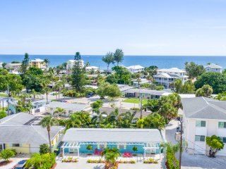 Cast Away Unit A on beautiful Manasota Key
