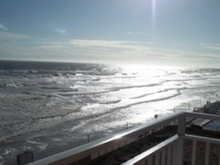 Direct Oceanfront - Great Views - 3 BR 3 BA - 404