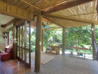 Beautiful Eco-Homes, Garden, wifi for 17 Near Historic Paraty