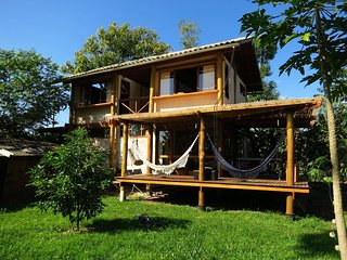 ECO HOME FOR 10, WIFI, GARDEN, NR. HISTORIC PARATY
