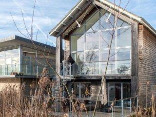 Aspen Lodge (HM56) 42425