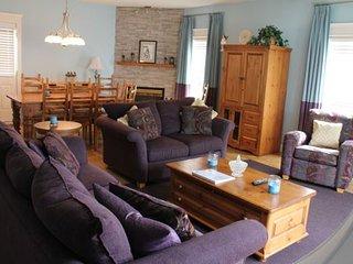 4 Bedroom Home + Hot Tub at SSH Vacation Homes, Silver Star