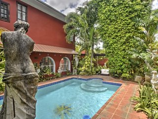 Luxurious San Juan Villa w/ Pool - Walk to Beach!