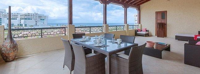 Villa Caribbean Pearl 1 Bedroom (This 2 Bedroom Condo At Porto Cupecoy Is