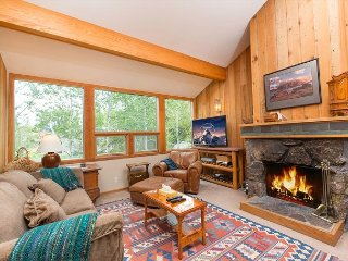 Family condo in the Aspens near to Teton Village.
