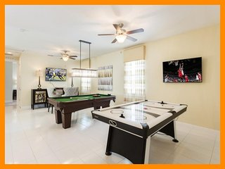 Encore Resort 161 - villa with private pool, game room and free shuttle to parks