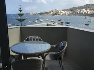 Harbour View 2 -  Luxurious Sea View Apartment
