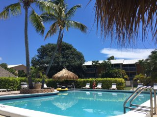 Licensed 3/3 Waterfront Villa - Oceanfront Beach Resort - Fast & Secure WiFi!