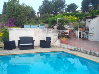Villa Cassis swimming-pool near Calanques Marseille National Park in Provence