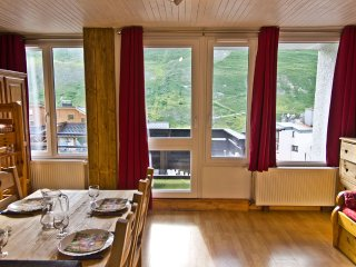 Ski apartment for 4 people in Tignes Val Claret