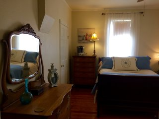Captain's House - Trenholm Suite