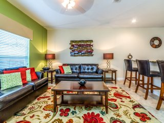 Beautiful 4BR 3bth Paradise Palms townhouse w/private splash pool from $163/nt
