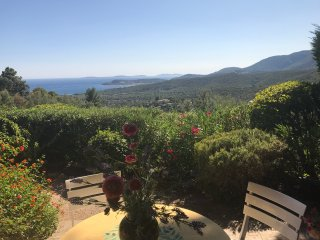 Provençal Villa with panoramic view, close to the beach