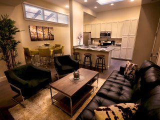 Amazing North Carondelet Street Apartment by Stay Alfred