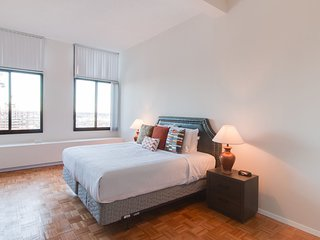 Beautiful Longfellow Place Apartment by Stay Alfred