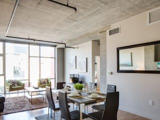 Attractive 6th Avenue Apartment by Stay Alfred