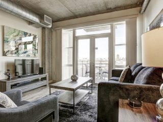 Superb Premier Loft on Market Street by Stay Alfred