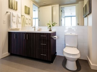Stay Alfred Portland Vacation Rental Bathroom