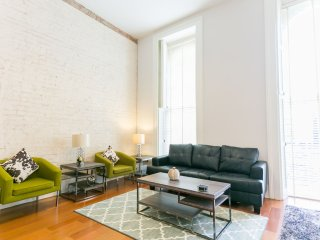 Upscale Carondelet Street Apartment by Stay Alfred