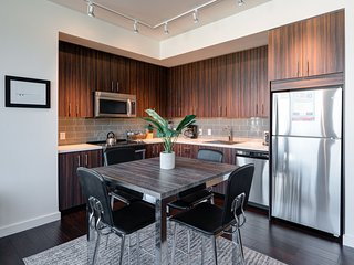 Stay Alfred Portland Vacation Rental Dining Area