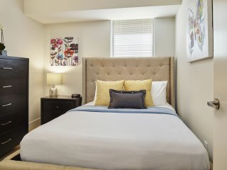 Cozy Stay Alfred at Rittenhouse Squared